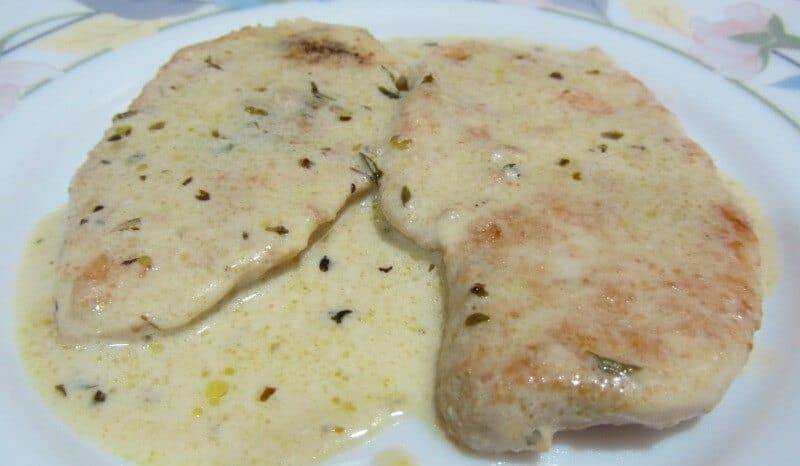 Pechuga de pollo con salsa de almendras